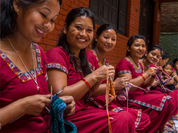 Arbeit mit Hingabe – die handgestrickte Kirtipur Jacke