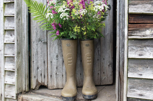 Rubber boots for farming with tyre tread sole for maximum grip.