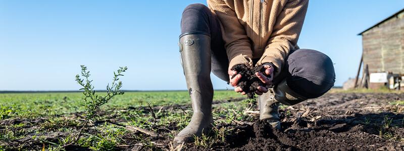 An den Füßen von Landwirten