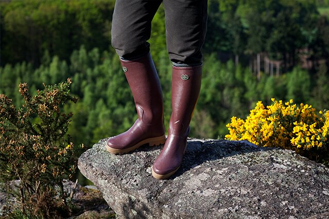 Découvrez la botte Saint Hubert pour femme, doublée de cuir pour un grand confort toute l'année