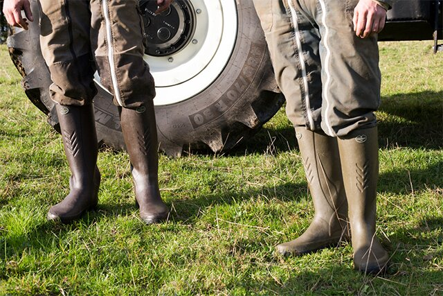 Browse the full range of mens boots. Premium rubber boots and leather boots.