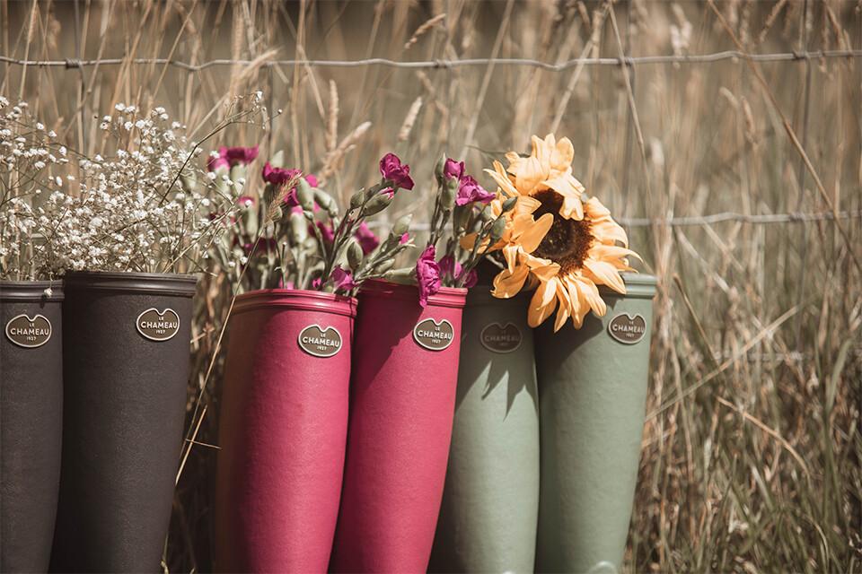 Découvrez les bottes en caoutchouc Iris qui apporteront une touche de couleur à toutes vos activités