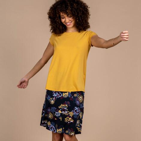 Sherpa Adventure Gear Asha Short Sleeve Tee     in Daal Yellow